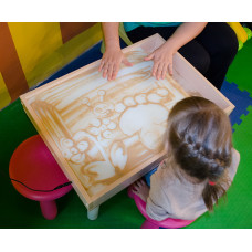 Игра с песком развивает детей